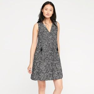 Black Paisley Sleeveless Swing Dress: Brand New!